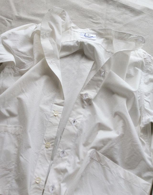 ヤーモのバンドカラーシャツ