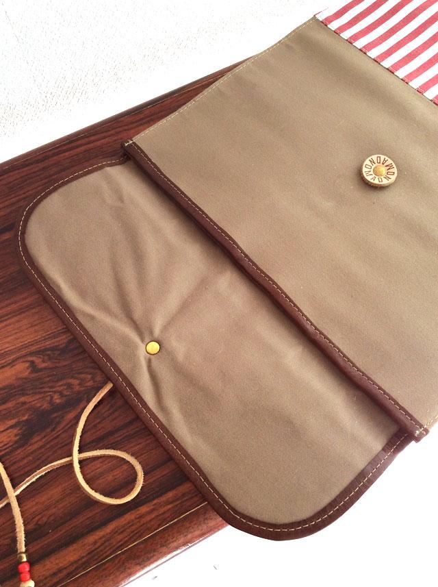 革と帆布の書類ケース