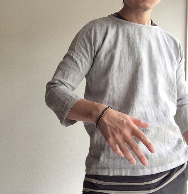 スカンクとアルマジロのリネンシャツ